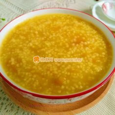 南瓜蓉小米粥的做法