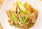 平菇青笋炒肉片的做法视频