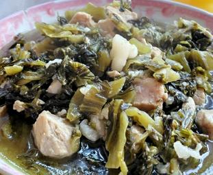 咸菜煲猪肉的家常做法