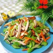 熏干芹菜的做法