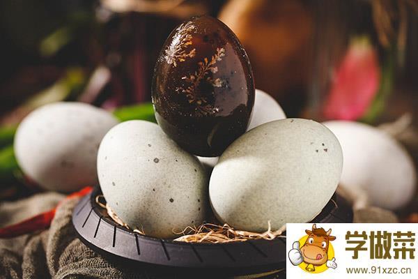 皮蛋的功效与作用禁忌_皮蛋的营养价值及食用禁忌