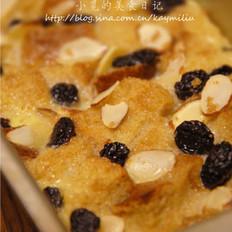 杏仁葡萄干面包布丁的做法