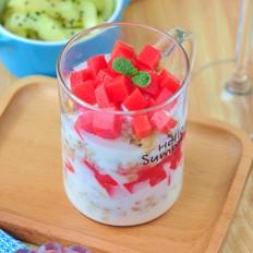 西瓜布丁酸奶杯的做法