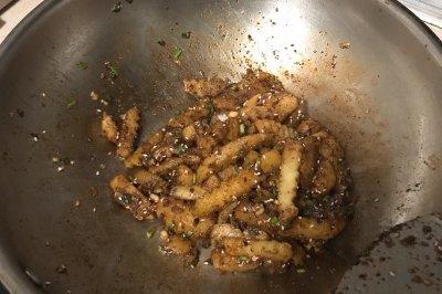 街边小吃狼牙土豆怎么做好吃?街边小吃狼牙土豆的家常做法
