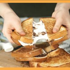 棉花糖巧克力酱三明治的做法