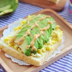 牛油果鸡蛋三明治丘比沙拉汁的做法
