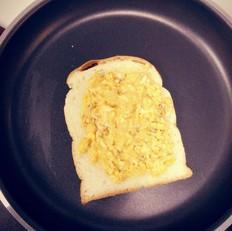 芝士鸡蛋三明治的做法