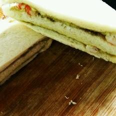 鳄梨鲜虾三明治的做法
