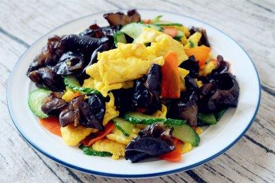 黄瓜木耳炒鸡蛋怎么做好吃?黄瓜木耳炒鸡蛋的家常做法
