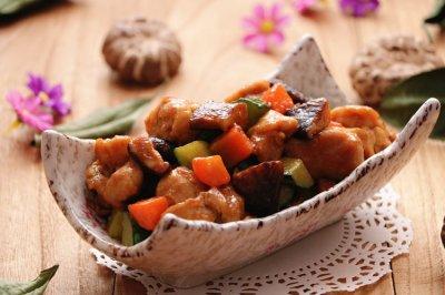 酱香花菇鸡丁怎么做好吃?酱香花菇鸡丁的家常做法