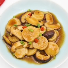 蚝油焖双菇丨这两样素菜放在一起炒一炒,比肉还香的做法