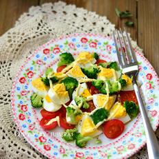 鸡蛋彩蔬沙拉的做法