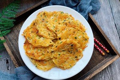 土豆丝饼怎么做好吃?土豆丝饼的家常做法