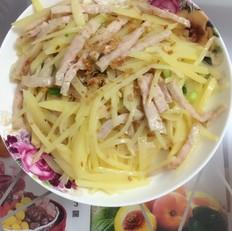 土豆炒肉饼丝的家常做法