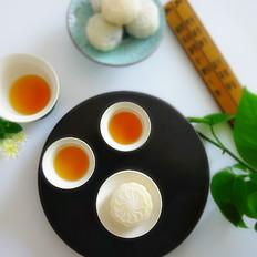 椰蓉流心奶黄月饼的家常做法
