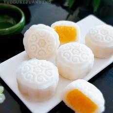 奶黄椰蓉冰皮月饼的家常做法