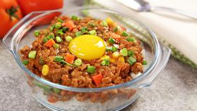 星级窝蛋免治茄汁牛肉饭的做法