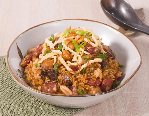 瑶柱腊味糯米饭怎幺做?瑶柱腊味糯米饭的做法