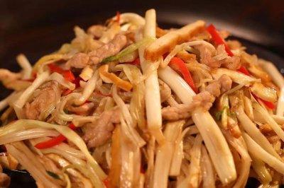 白芹豆干炒肉怎么做好吃?白芹豆干炒肉的家常做法视频
