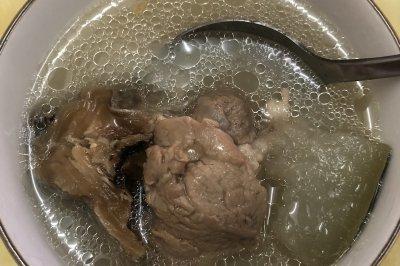 柴鱼冬瓜筒骨汤怎么做好吃?柴鱼冬瓜筒骨汤的家常做法