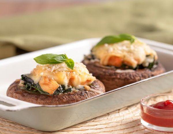 番茄芝士菠菜鸡肉烤酿大啡菇怎幺做?番茄芝士菠菜鸡肉烤酿大啡菇的做法