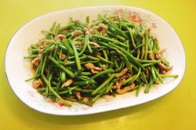 芦蒿炒肉丝怎么做好吃? 芦蒿炒肉丝的家常做法