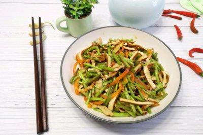 芦蒿炒香干肉丝怎么做好吃?芦蒿炒香干肉丝的家常做法