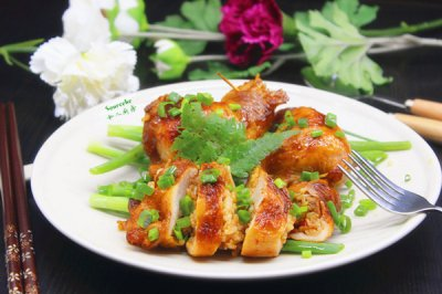 鸡腿包饭怎么做好吃?鸡腿包饭的家常做法