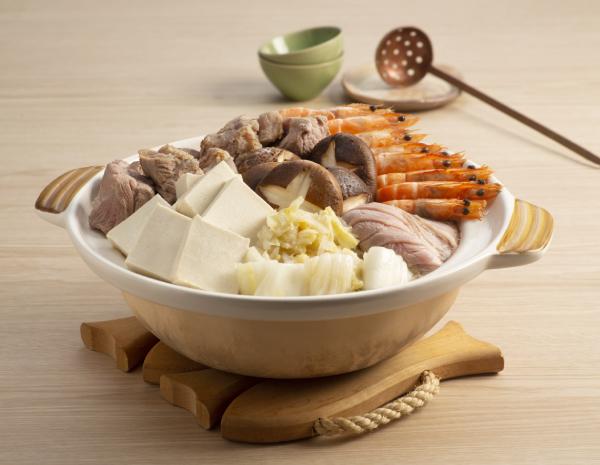 酸菜白肉锅怎幺做?酸菜白肉锅的做法
