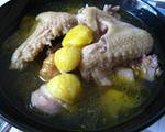 板栗煨土鸡的做法_滋阴补肾的板栗煨土鸡怎么做