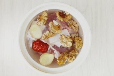 核桃排骨汤怎么做好吃?核桃排骨汤的家常做法