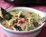 羊排鲫鱼汤的做法_羊排鲫鱼汤怎么做好吃图解
