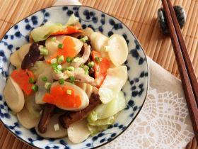 素菜肉丝炒年糕 [简易素菜食谱]的做法