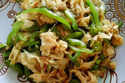 青椒豆皮怎么做好吃?青椒豆皮的家常做法