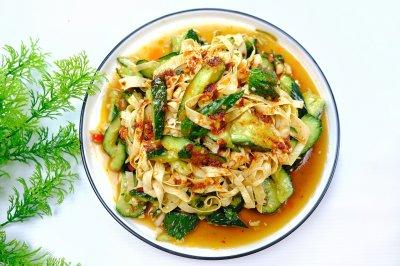 凉拌油豆皮黄瓜怎么做好吃?凉拌油豆皮黄瓜的家常做法