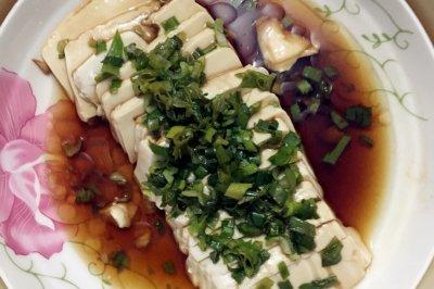 葱拌内酯豆腐怎么做好吃?葱拌内酯豆腐的家常做法