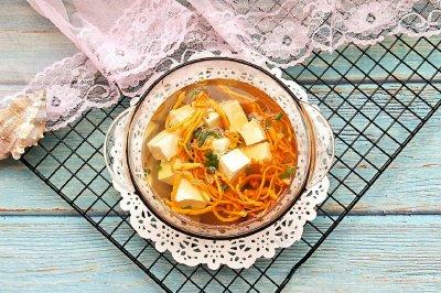 鲜虫草花豆腐汤怎么做好吃?鲜虫草花豆腐汤的家常做法
