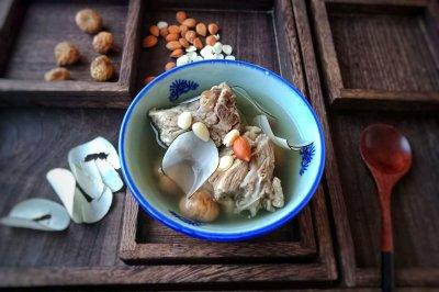 海底椰杏仁排骨汤怎么做好吃?海底椰杏仁排骨汤的家常做法