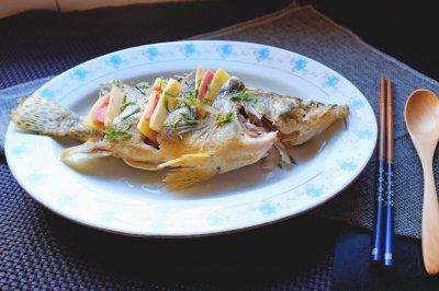 清蒸鳜鱼怎么做好吃?清蒸鳜鱼的家常做法