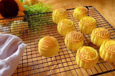 流心月饼怎么做好吃?流心月饼的家常做法