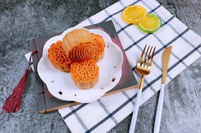 广式纯白莲蓉蛋黄月饼怎么做好吃?广式纯白莲蓉蛋黄月饼的家常做法