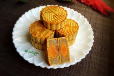 广式白莲蓉蛋黄月饼怎么做好吃?广式白莲蓉蛋黄月饼的家常做法