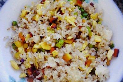 炒米饭怎么做好吃?炒米饭的家常做法