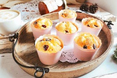 椰蓉蔓越莓玛芬纸杯蛋糕怎么做好吃?椰蓉蔓越莓玛芬纸杯蛋糕的家常做法