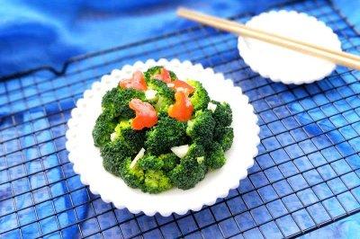 红椒蒜泥西蓝花怎么做好吃?红椒蒜泥西蓝花的家常做法