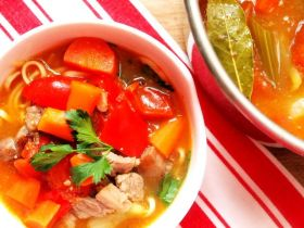 番茄牛肉汤麵 的做法