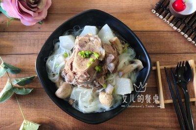 黑豚筒骨萝卜汤怎么做好吃?黑豚筒骨萝卜汤的家常做法