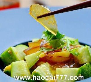 黄瓜凉拌皮蛋,父亲节的家常凉拌菜