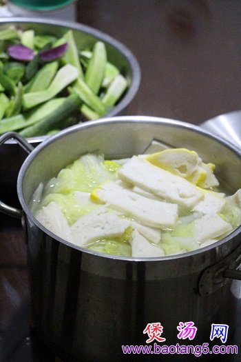 鱼糕白菜汤怎么做?鱼糕白菜汤的做法教程