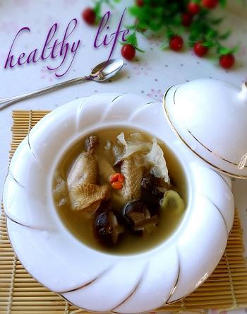 菌菇鸡汤怎么做?菌菇鸡汤的做法教程